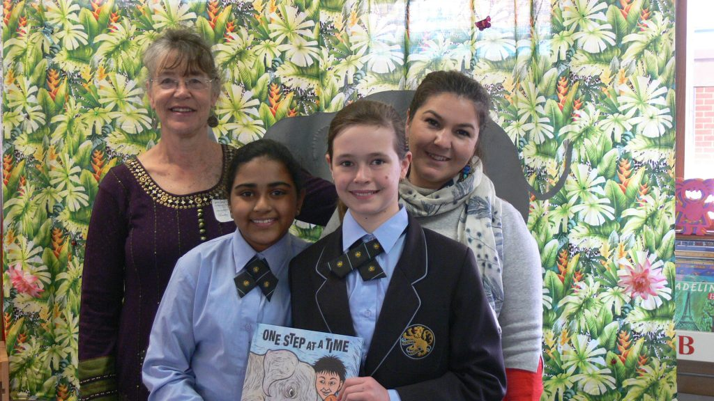 Me with two of the Yr 5 girls, and Lani Burgess, Yr 5 teacher